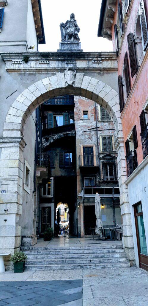 """Verona cosa vedere nella città """"porta d'Italia"""""""