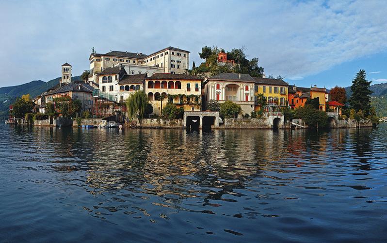Cosa vedere al Lago d'Orta: Basilica di San Giulio