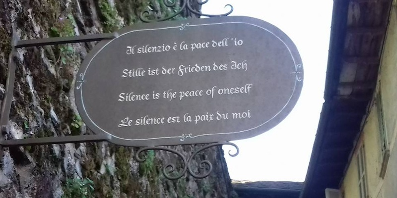 Cosa vedere al lago d'Orta: la via del silenzio sull'Isola di San Giulio