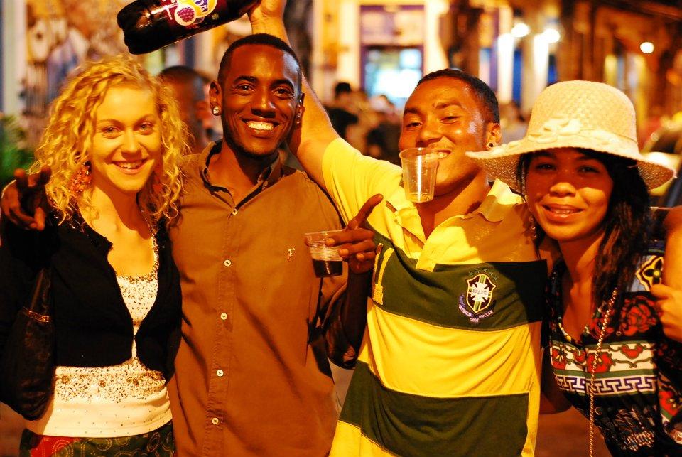 Insieme, felici. Io e i miei colleghi di AIESEC durante la mia esperienza di lavoro a Curitiba, Brasile