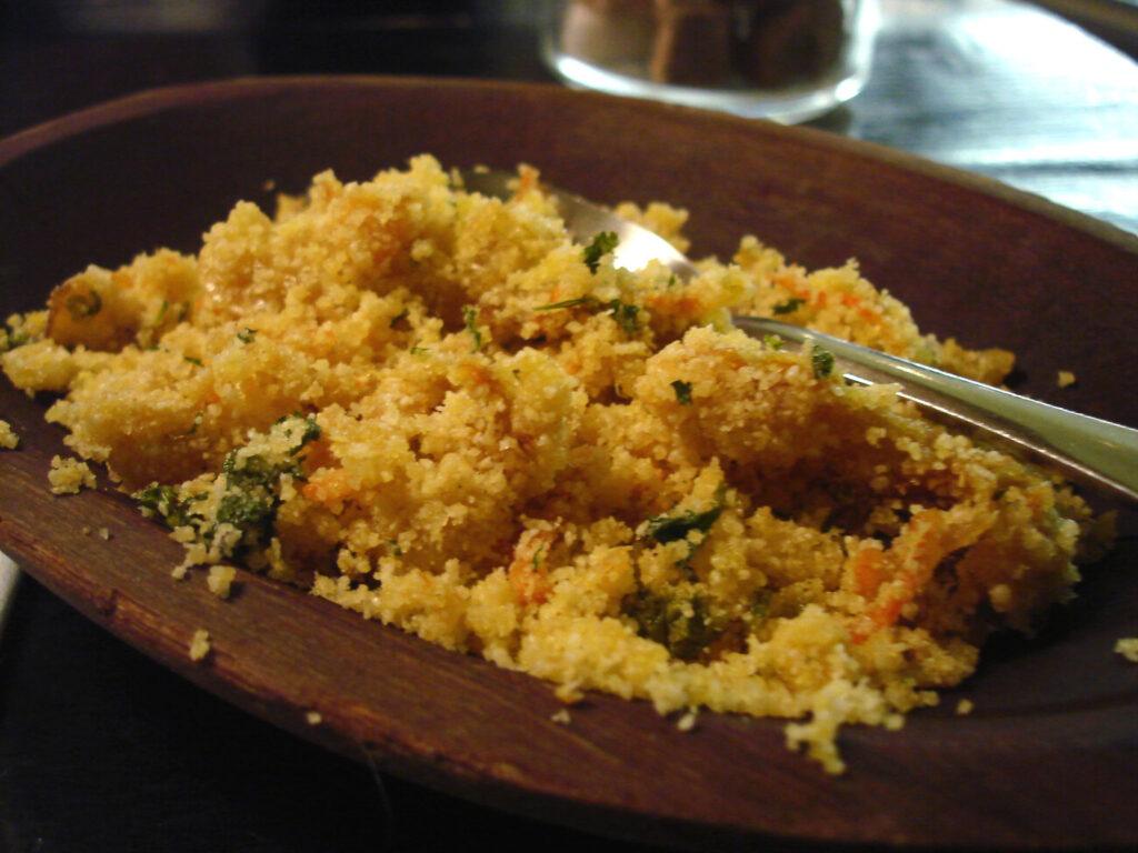 La farofa che accompagna la tipica feijoada fa parte a mio parere delle migliori ricette del mondo brasiliano.