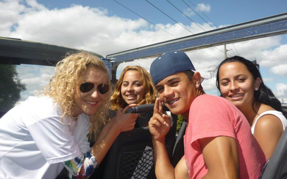 Gita scolastica nel centro città a Curitiba. Io sono con alcuni dei miei allievi sull'autobus panoramico.
